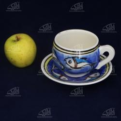 فنجان و نعلبکی سفالی نقاشی زیر لعابی آبی طرح ماهی مدل 1007800013