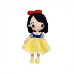 عروسک بافتنی طرح سفید برفی کد M3